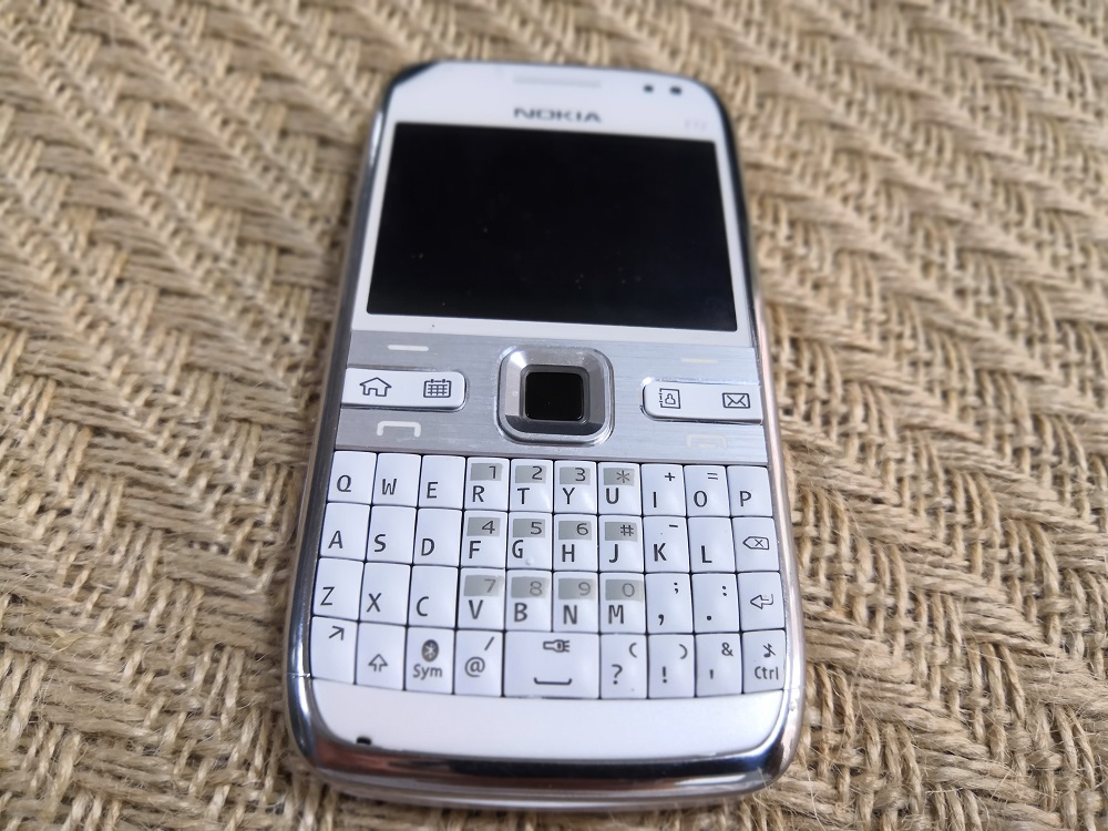 Original Nokia E72 Mobile Phone 3G Wifi 5MP Unlocked Refurbished NO Hebrew  keyboard Cellphone English Russian Arabic keyboard
