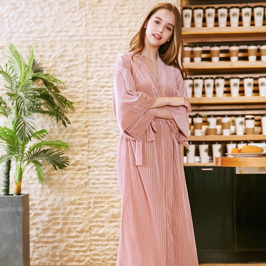 3ed28b0448 2018 Soft Pleuche Robe Bathrobe Long Velour Dress Pajama Bridesmaid Elegant  Night Sexy Robes Pajama Home Clothes Autumn SR900