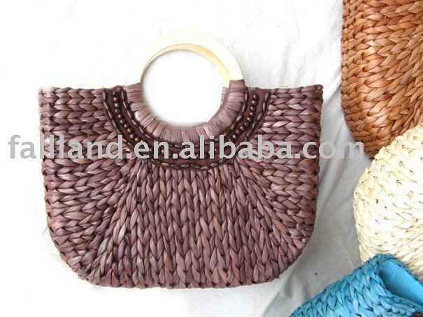 BIG STRAW TOTE BAGS WITH WOODEN HANDLES  WHOLESALE