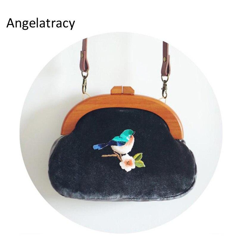 Feitos à Mão Bolsa do Vintage Bolsa de Embreagem de Veludo com Flor Pássaro de Veludo Cabo de Madeira Angelatracy Bordados Pássaro Bolsa Azul Escuro 2020