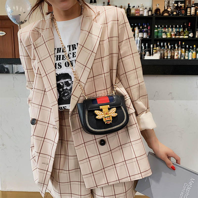 Imitation Designer Bags Fashion Bee Shoulder handbag for women Luxury Round PU Cross body Chain Bag Pearl Metal Lock Women's Bag (12)