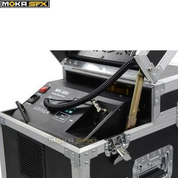 Doppio Teste Di 600 W Dual Foschia Macchina DMX512 Macchina Della Nebbia Di Controllo Con Il Caso Di Volo Che Soffia Fan LCD A Distanza Di Visualizzazione Dello Schermo Macchina