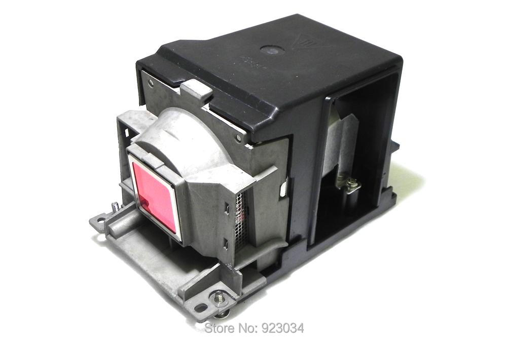 все цены на Projector Lamp with housing  TLP-LW10   for TOSHIBA   TDP-T100  TDP-T99U TDP-TW100 онлайн