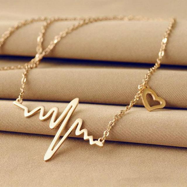 Simple Lightning Pulse Wave Heart Necklace Gold Plated