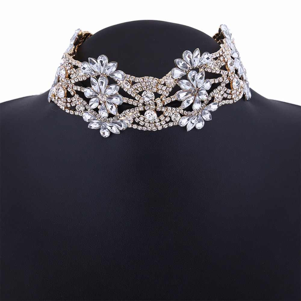 db88fac571590 2019 fashion big crystal flowers collar choker necklace vintage statement  necklace women maxi necklaces neck Jewelry collares