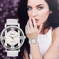 Diseño especial de Moda de Lujo Para Mujer Para Hombre Relojes Blanco y Negro Hollow Dial Correa de Cuero de Cuarzo Analógico Reloj de Pulsera Deportivo
