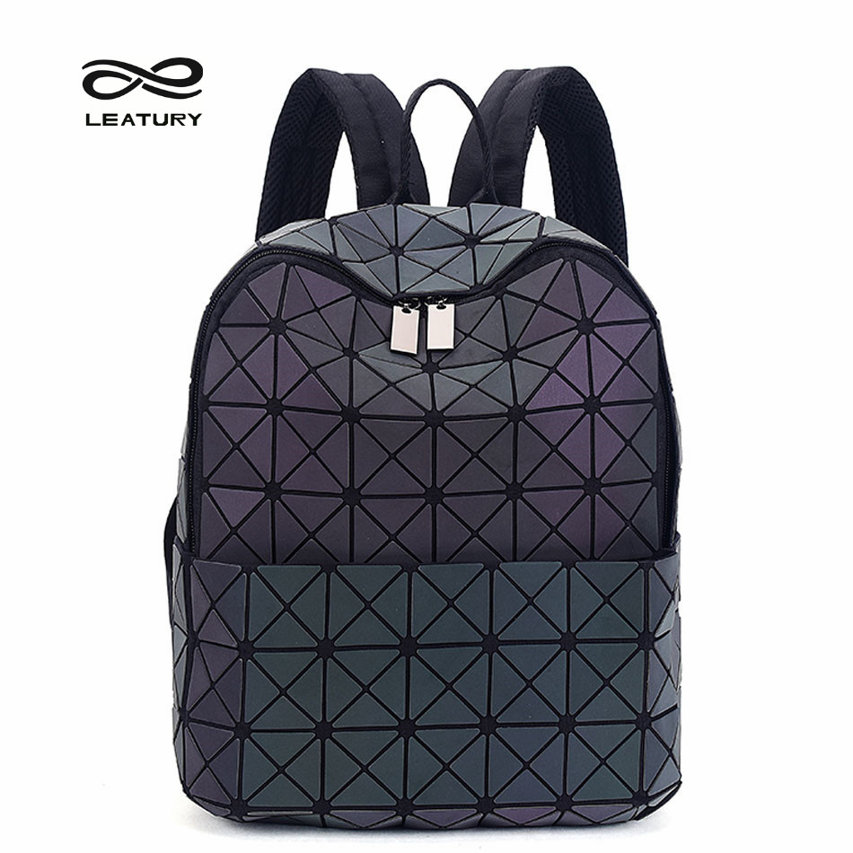 ФОТО Leatury Newest Backpack Noctilucent Women Fashion Bags Laser Lattice Geometric Luminous Backpack for Teenage Girls School Bags
