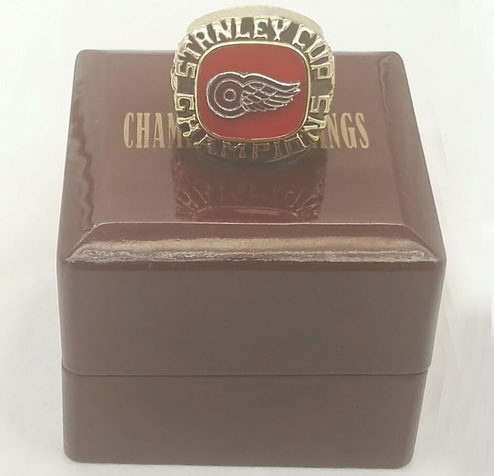 1997 Ice Hockey Detroit Red Wings fashion Custom Sport Fans Championship Ring With Wooden Boxes