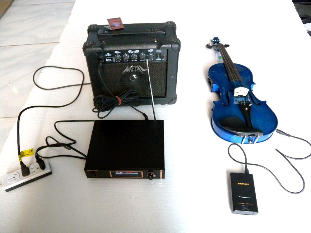 blue Wireless transmitter 4/4 Electric violin METAL Sound The Wireless transmitter has LCD display and Use high-tech handmade new solid maple wood brown acoustic violin violino 4 4 electric violin case bow included