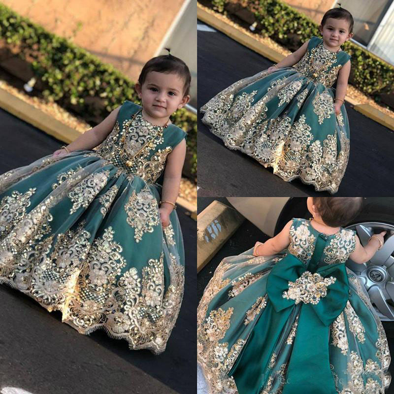 2019 Cute Little Flower Girls' Dresses With Gold Lace Applique Long Pageant Gowns Bow Baby Toddler Communion Dresses