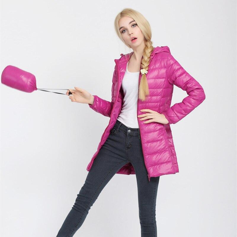 Плюс Размеры 6xl Подпушка куртка Для женщин ультра легкий с капюшоном утка Подпушка зимняя однотонная длинная парка на молнии Пуховое пальто