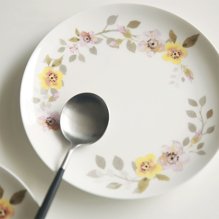 Dinnerware Bone China Plate Dish On glazed Floral Yellow Flower Printed Steak Plates Food Cookies Dishes 8 Inches Cute-in Dishes u0026 Plates from Home u0026 Garden ... & Dinnerware Bone China Plate Dish On glazed Floral Yellow Flower ...