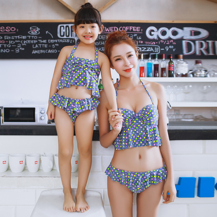 359360c016528 Beach matching mother and daughter clothes swimwear maillot de bain mommy  and me clothing bikini bathing suit swimsuit 1608-in Matching Family Outfits  from ...