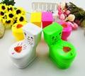 1 unids spray mini Mover la boquilla de chorro de agua del inodoro divertido truco-jugar juguete niños juguetes de baño juguetes de verano