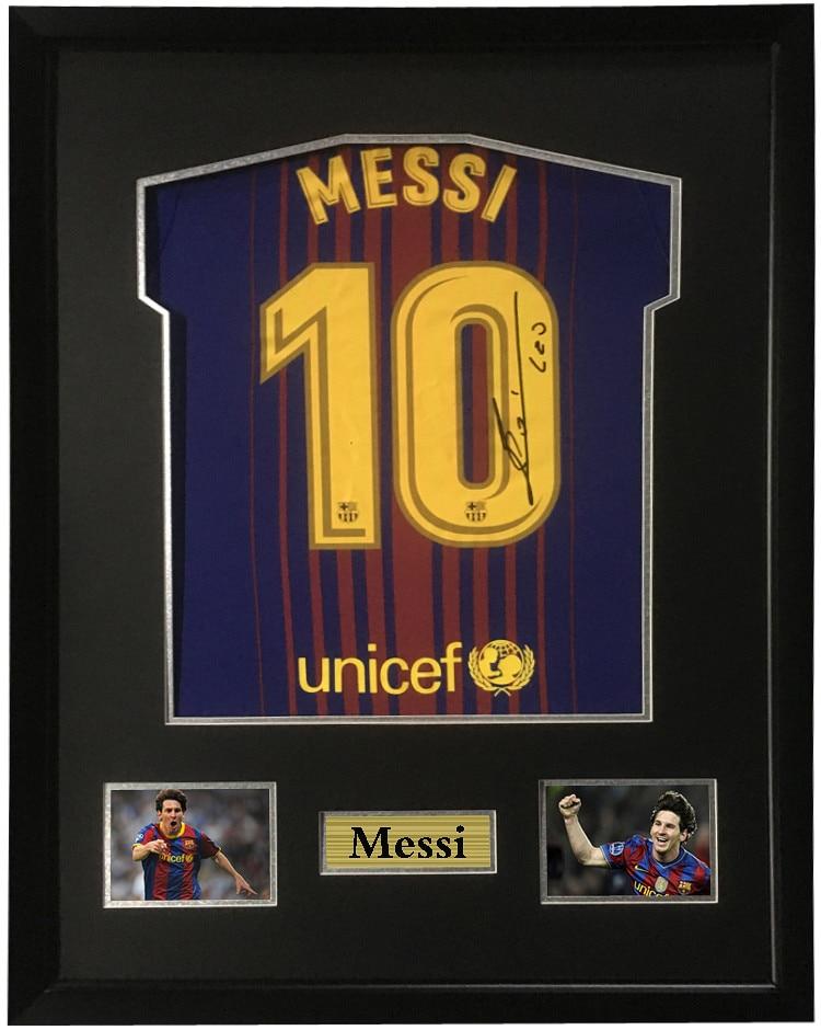 a598e12e10cad Autografada camisa Messi futebol Jersey roupas contendo certificado de  montagem quadro 17 18 temporada Barcelona Barcelona em Quadro de Home    Garden no ...