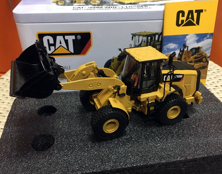1/50 Diecast masters 85914 Caterpillar Cat 950M Wheel Loader цена