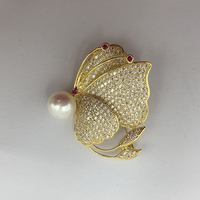 Sinya Natural Pearl butterfly love Brooch cute classical design Gold plated Brooches for lover women pink purple white optional