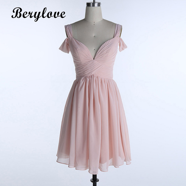 a1bb371a3eb BeryLove Short Mini Wedding Party Dresses 2018 Pink Chiffon Bridesmaid  Homecoming Dresses Junior Wedding Party Gowns Graduation