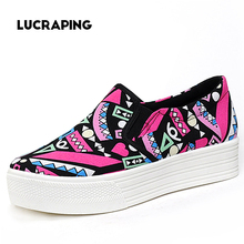 Hot sale women's canvas shoes personalized hand-painted shoes flat low graffiti shoes comfortable cow muscle Shoes Women