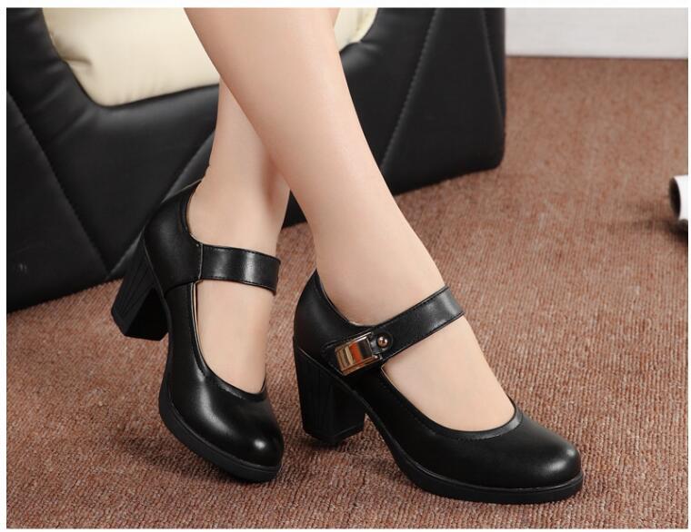все цены на 2018 Spring Autumn Shoes Woman Leather Women Pumps Lady Leather Round Toe Platform Shallow Mouth Shoes Size