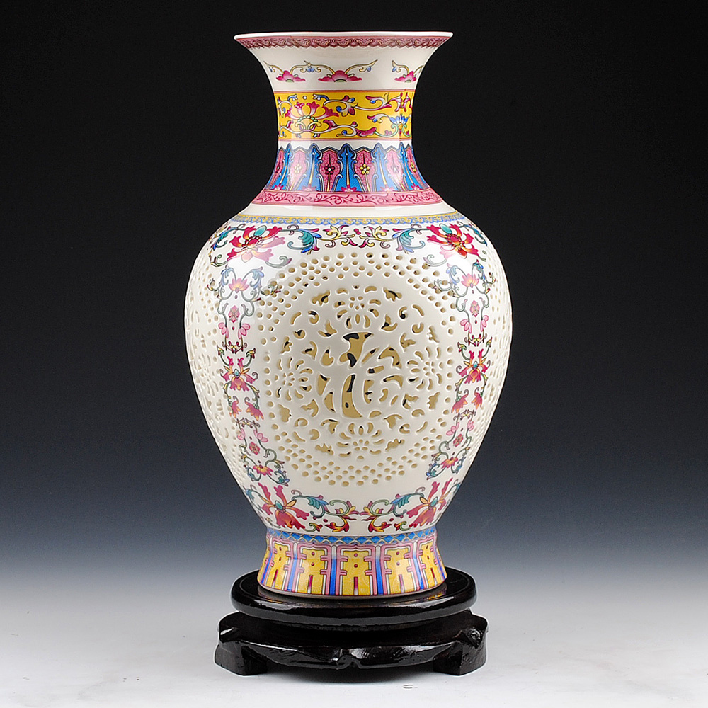 Antique Chinese style Palace Restoring Ancient Ways Jingdezhen Hollow White Ceramic Vase For Artificial Flower Decoration