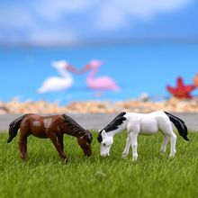 OOTDTY 3D Moss Microlandschaft Mini Cute Animal Fine Horse Figurines Miniatures DIY Ornament Fairy Garden Plant House Decoration