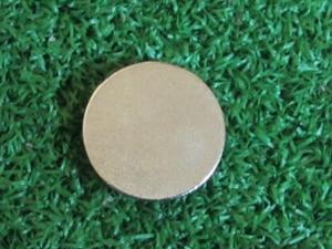 Image 2 - 로트 당 100 pcs 25mm 볼 마커 접착제 코팅 풀 컬러 인쇄 골프 볼 마커와 사용자 정의 로고 볼 마커