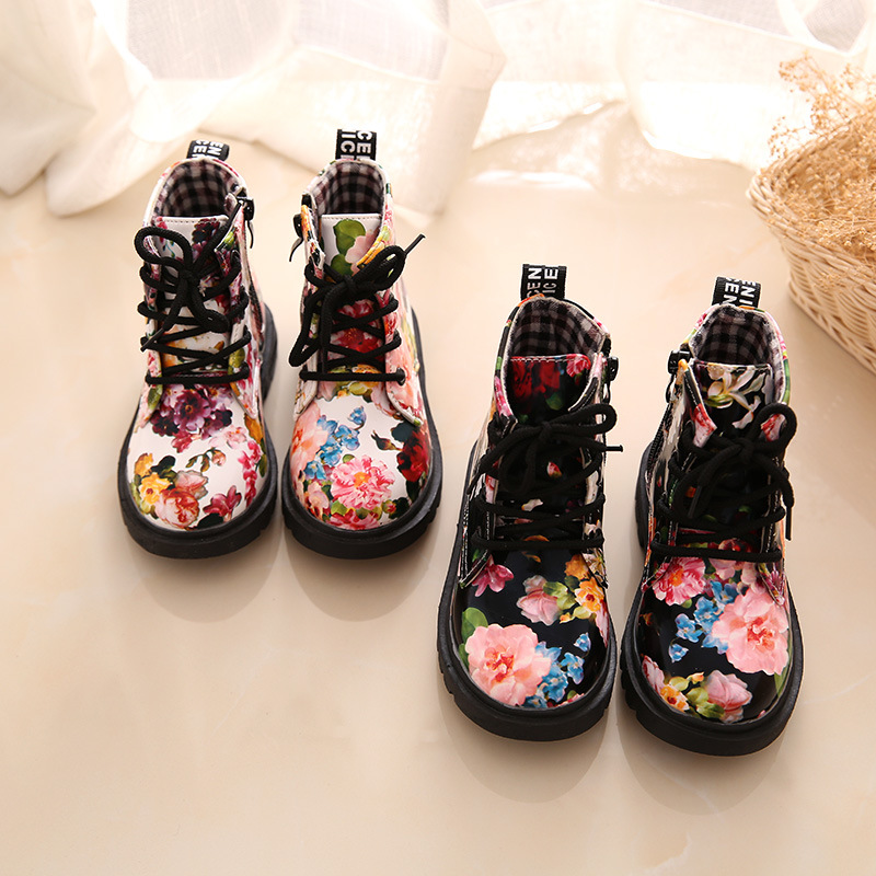Купить с кэшбэком Autumn and winter thick warm plush fashion black flowers martin boots girls boys shoes boots snow boots for children