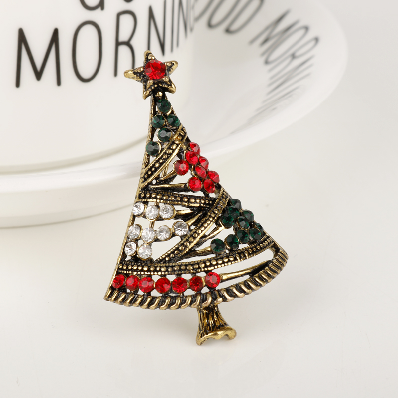2018 Christmas NEW Fashion Jewelry Rhinestone Christmas Tree Brooch Pins Alloy The Best Gift To a loved one On Xmas Day Party