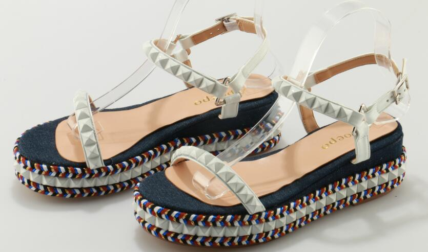 цены 2017 Hot Selling American and European Open Toe Rivets Thick bottom Women Sandals Platform colorful shoes