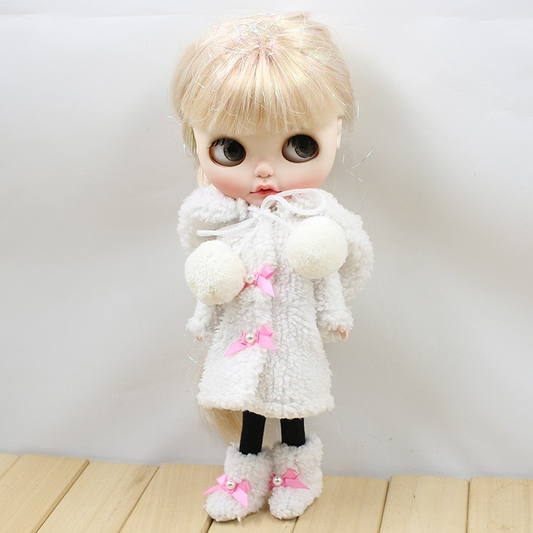 Neo Blythe Doll Winter Suit With Shoes & Stocking 2