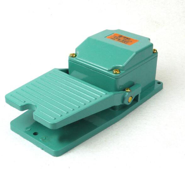 15A 250VAC Momentary Power N/O N/C SPDT Foot Switch For CNC Industrial Aluminium