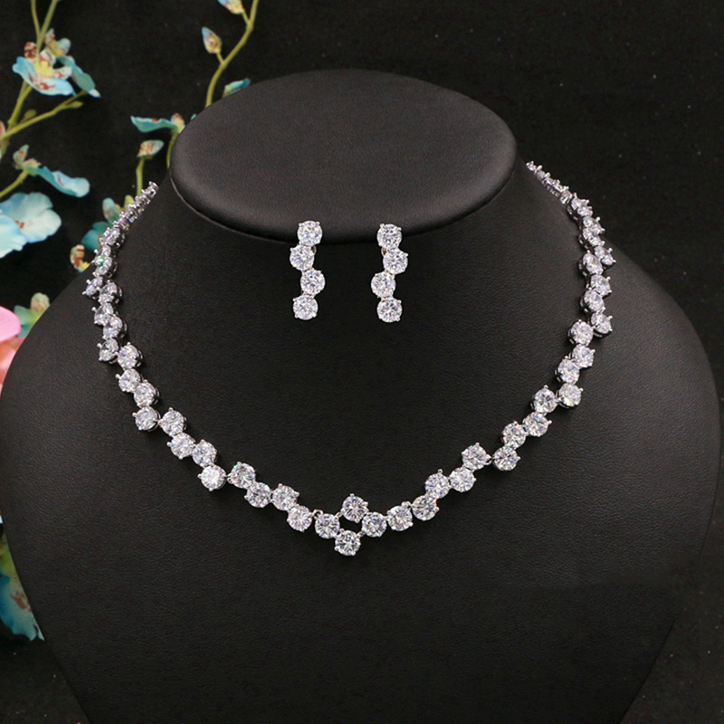 Cubic Zirconia Round Crystal Drill Delicate Bridal Necklace Pendant Earrings Jewelry Rhinestones Wedding Accessories For Women pair of delicate openwork rhombus pendant earrings for women