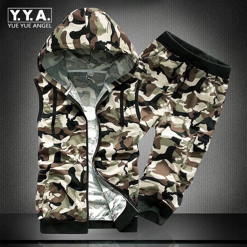 648cb556599f 2018 Summer New Mens Casual Suit Sleeveless Hooded Sweatshirt Clothing Sets  Camo Fashion T-Shirt Set +Shorts Two Piece Male Sets