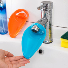 Extending high elastic silicone tap Brush my teeth gargle water tank washing device extension guide color random