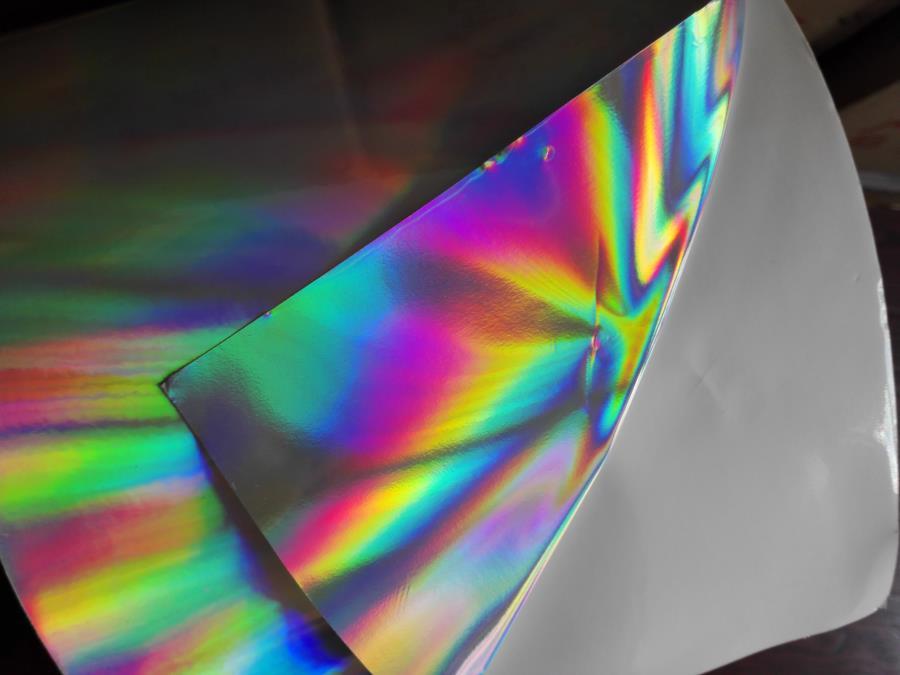 Auto-adesivo Sticker pianura arcobaleno olografico PP Pellicola liscia 16 cm x 100 m in rotolo