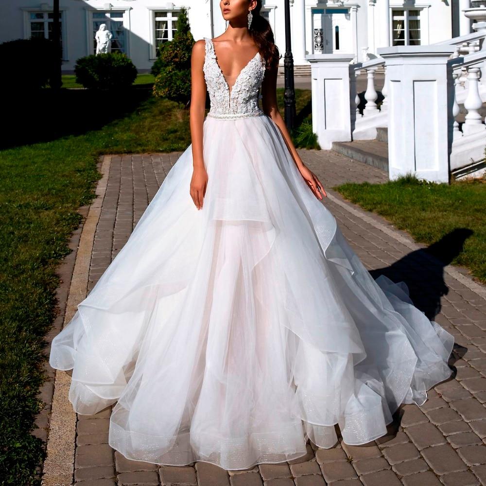 Elegan Pernikahan Gaun Seksi V Leher Bordiran Bunga Ruffle Kapel
