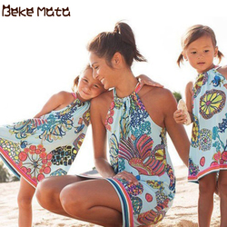 Mãe filha vestidos de verão 2019 mamãe e eu roupas praia laço oceano imprimir família olhar mãe menina família combinando roupas