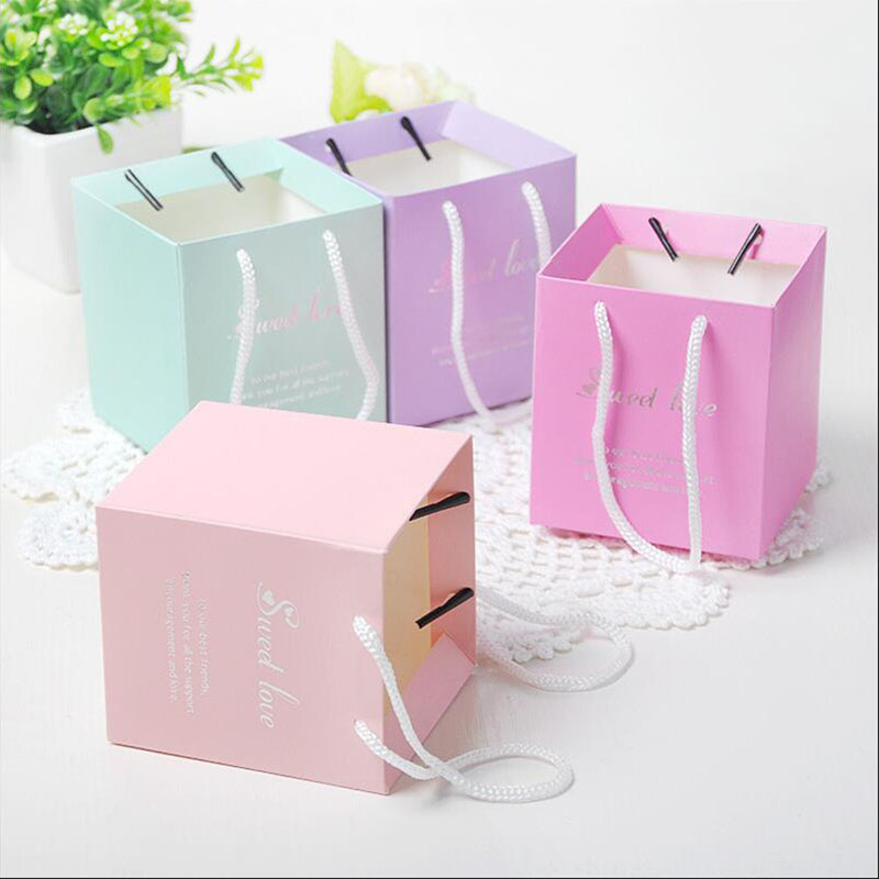 8x8x9cm Small Paper Bags With Handles Chocolate Paper Gift Bag Wedding Favors And Gifts For Guests Souvenirs Packaging 50pcs