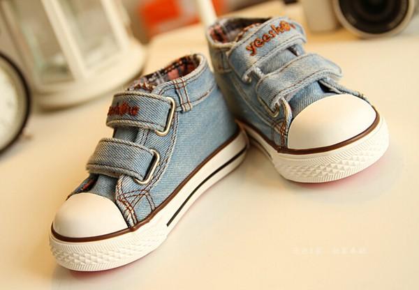 canvas shoes 1