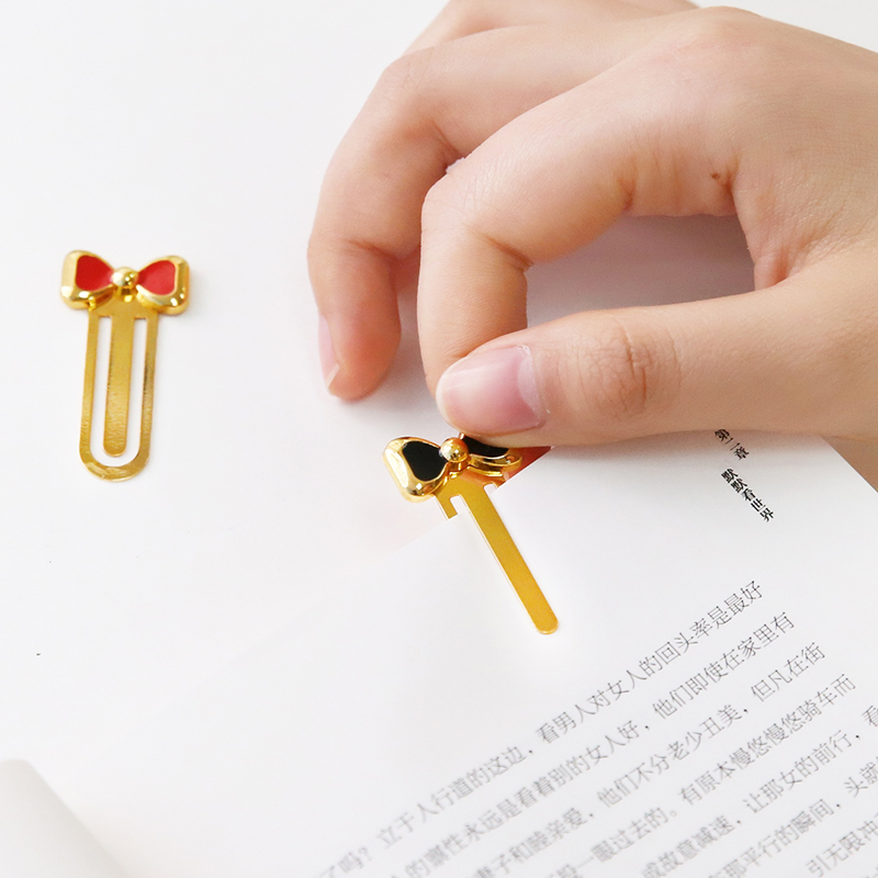 Купить с кэшбэком 3 pcs/Lot Delicate bowtie metal book mark Sweet mini clips page holder Kawaii Stationery Office School supplies Gift FC604