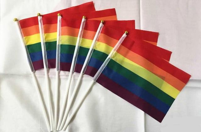 """10 14*21 ס""""מ יח'\אריזה גאווה קשת דגל לאומי קטן יד מנופפת עם פלסטיק תרנים עבור ספורט מצעד קישוט"""
