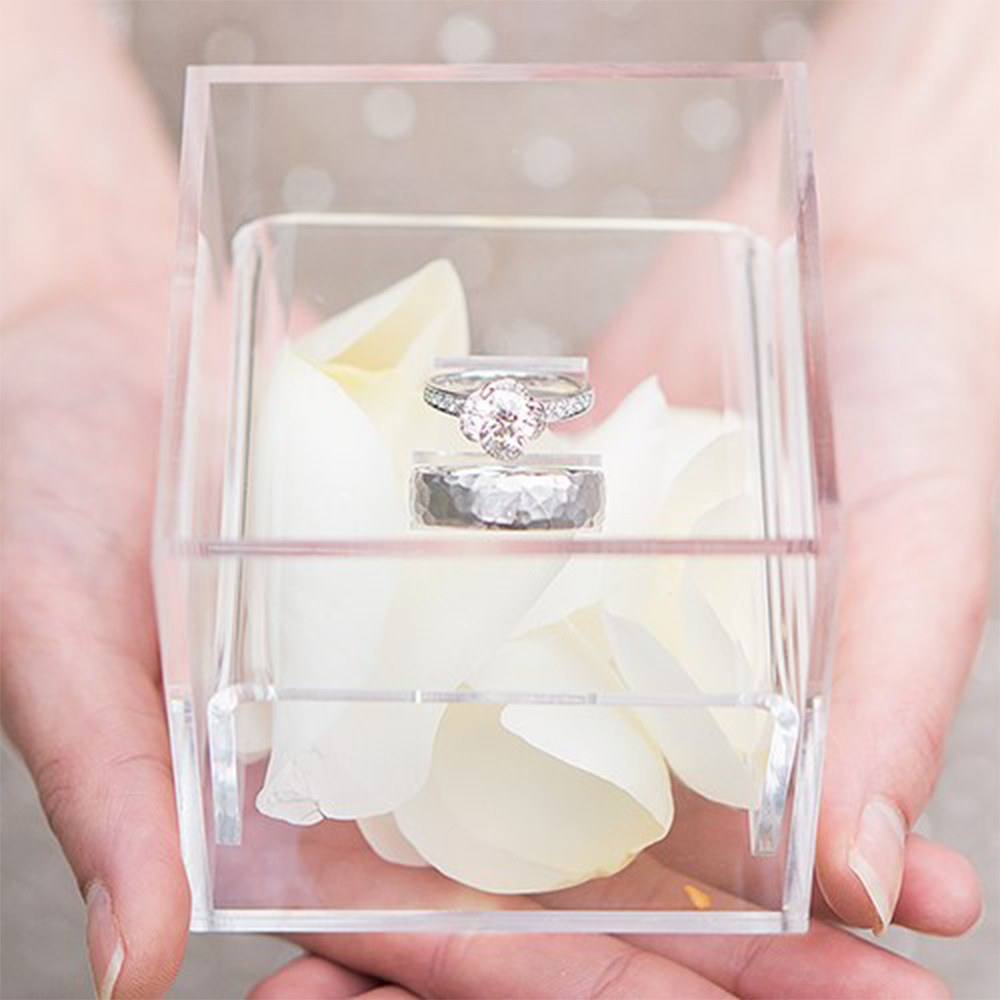 Aila Crystal Clear Ring Holder Acrylic Propose Box Wedding Ring Boxes Romantic Date Gift Customizable Logo