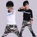 Moda Primavera conjunto de roupas de camuflagem Trajes crianças dos ternos do esporte das crianças patchwork Hip Hop dance pant & camisola 3-10 anos de idade