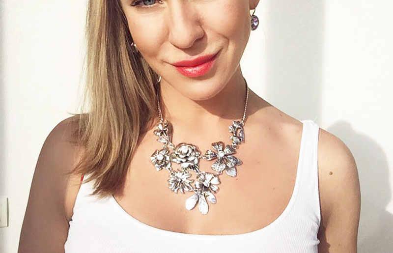 Jianxi新しいデザインファッションアンティークシルバーメッキ葉フラワーシェイプクリスタルガラス短鎖の女性のネックレスペンダント