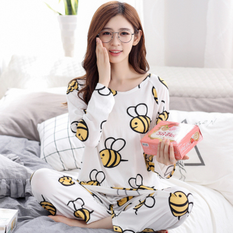 2017 Women long sleeved   pajamas     set   Spring and autumn girls cartoon sleepwear lady bee print homewear free shipping