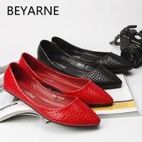 Ballets Flats Women Shoes Japanned Leather Embossed Serpentine Pattern Flat Boat Shoes Flats Ladle Shoes Plus