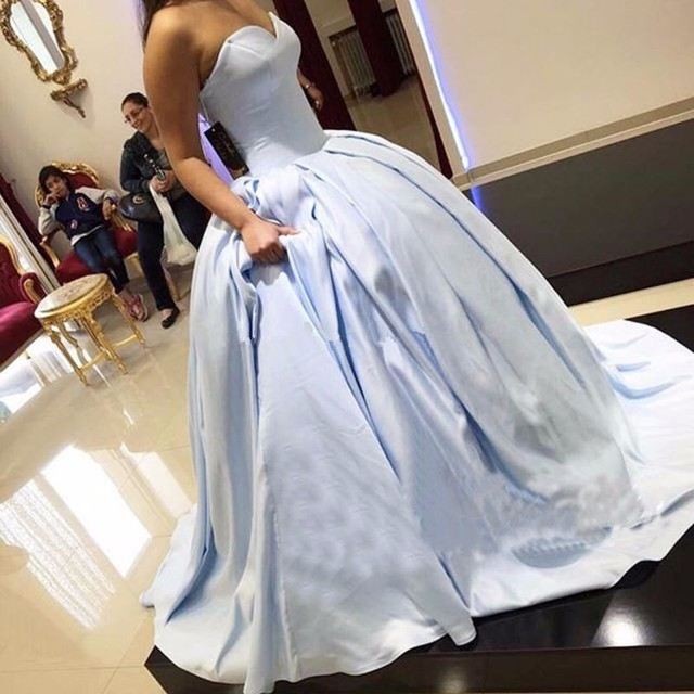 Light Sky Blue Satin Ball Gown Prom Dresses 2017 vestido fiesta Concise  Sweetheart Long Formal Gowns Prom Party Dress 641778d45919