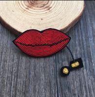 5 cm Rouge À Lèvres Indien Soie Emboridered Patch Broche Perlée Applique Patches Vintage Brodé Badge Mode Vêtements Décoration