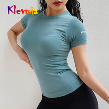 цена на Seamless Sport Top Sports Wear For Women Gym Short Sleeve Letter Yoga Shirt Fitness Women Breathable Running Top Fitness Shirt